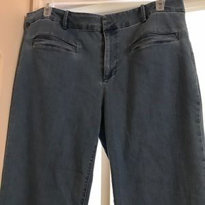 PLUS SIZE FOREVER 21 BLUE JEANS